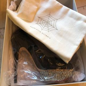 New Charlotte Olympia Dolly size 41